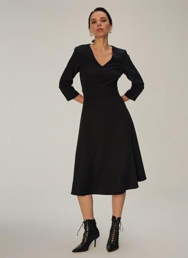 NGSTYLE Kloş Etekli Midi Elbise Siyah